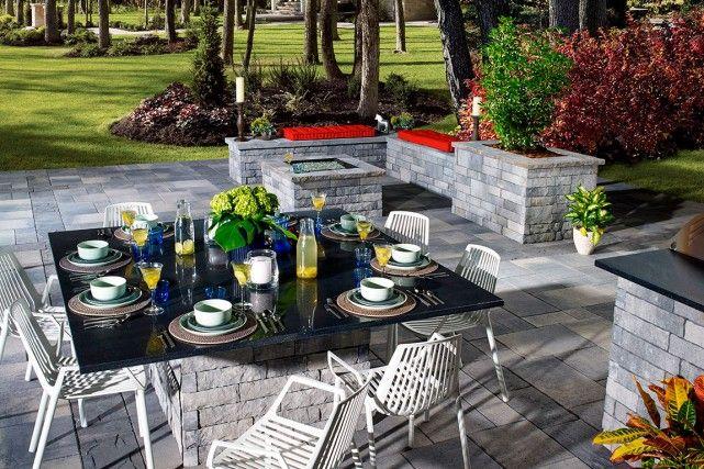 Des meubles d'extérieur en imitation de pierre