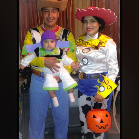 18 of the cutest family halloween costumes ever