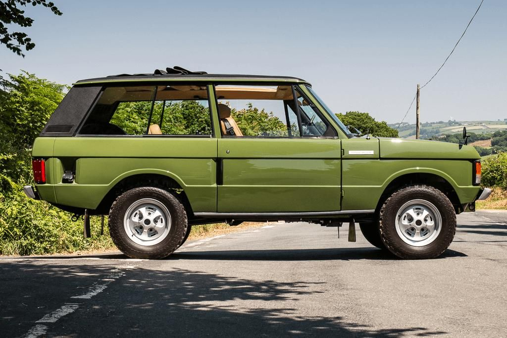 Royal Range Rover Classic makes £100k at auction(画像あり)
