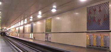 Station St-Laurent, ligne 1 verte (Source et informations supplémentaires : http://www.metrodemontreal.com/green/stlaurent/index-f.html)