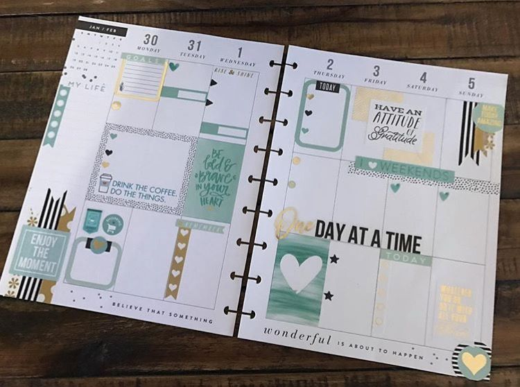 CLASSIC Happy Planner page idea. Love these colors!!