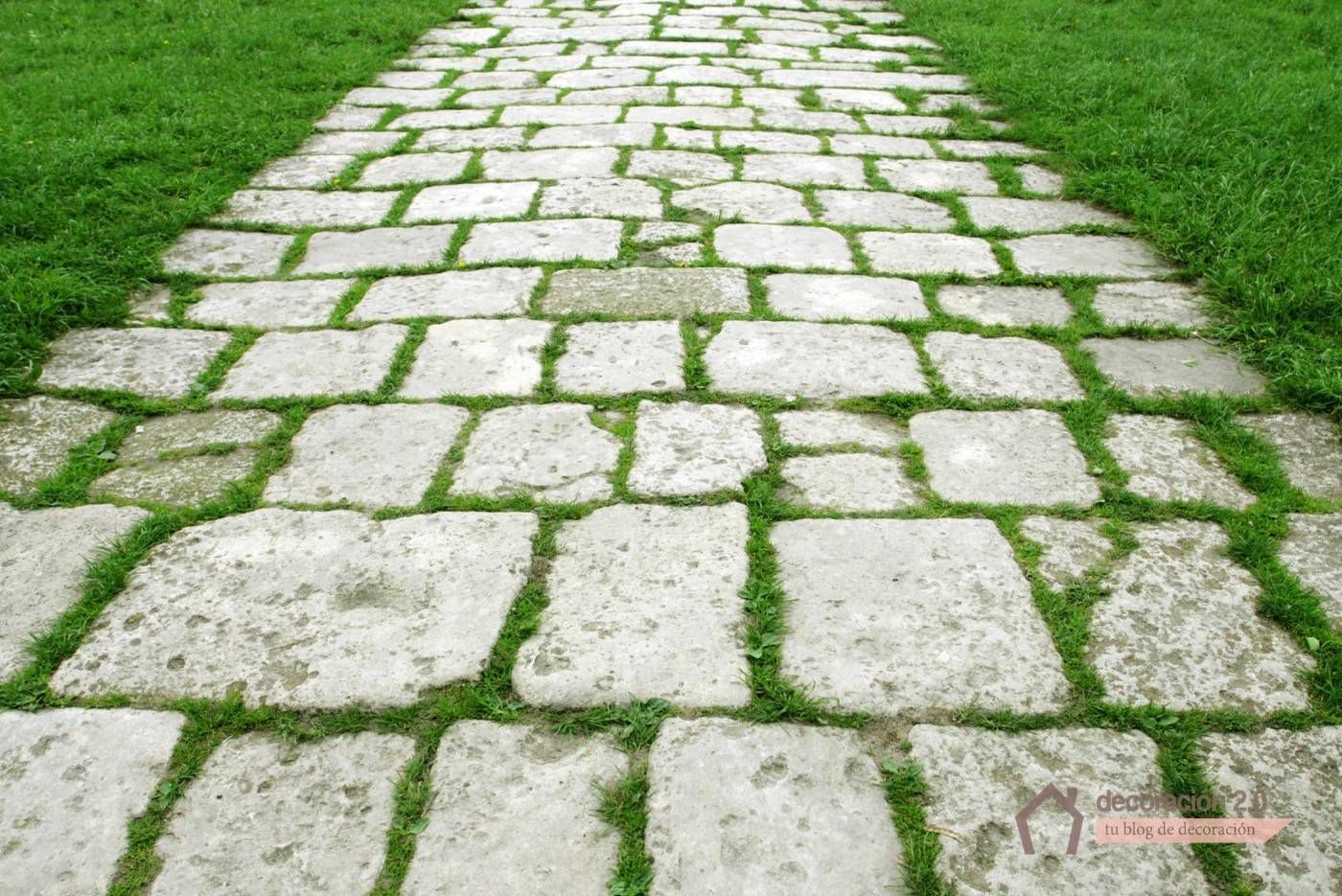 C mo hacer suelo de piedra irregular ideas pinterest Cesped con piedras