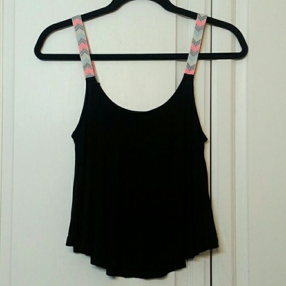 Flowy crop top Colorful woven straps. Flowy. Nice soft fabric. Scoop neck & back. Super cute. Only worn once Tops Crop Tops