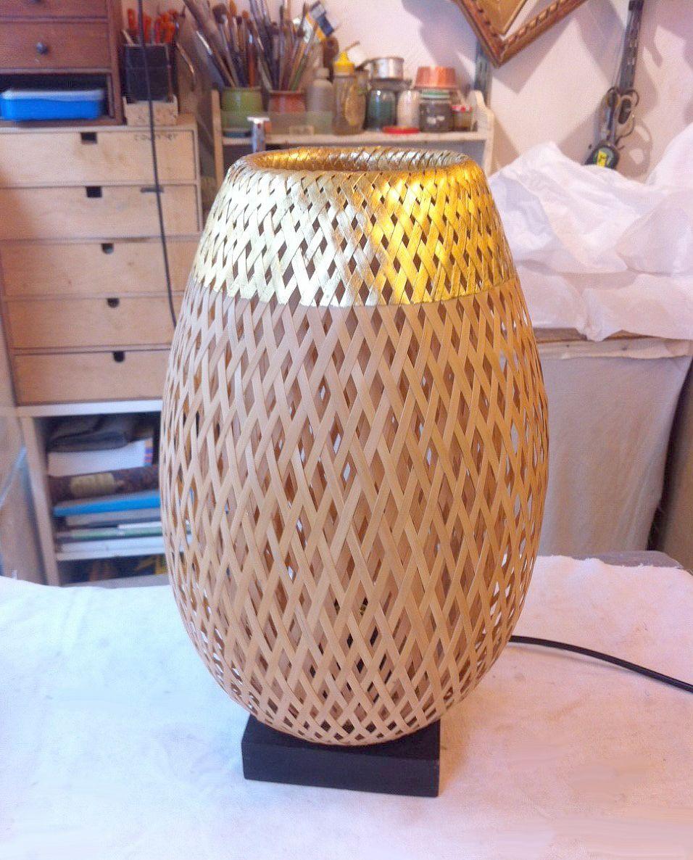 lampe en bambou 35 cm or 24 carats variateur d 39 intensit l 39 artisanat vietnamien et fran ais. Black Bedroom Furniture Sets. Home Design Ideas