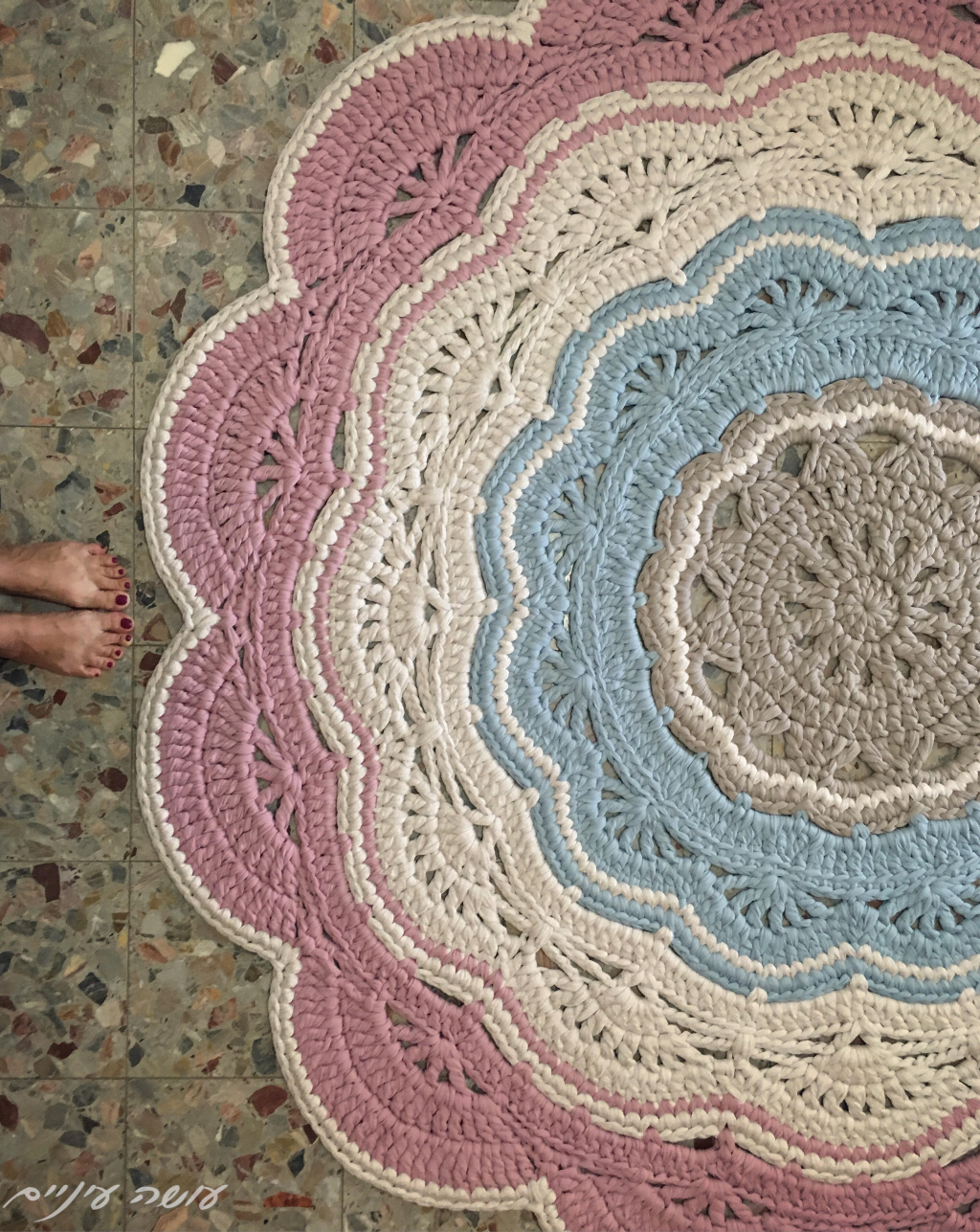My giant - crochet doily t-shirt yarn rug pattern - by Osa Einaim ...
