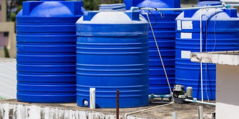 كيفية تنظيف خزانات المياه البلاستيكية