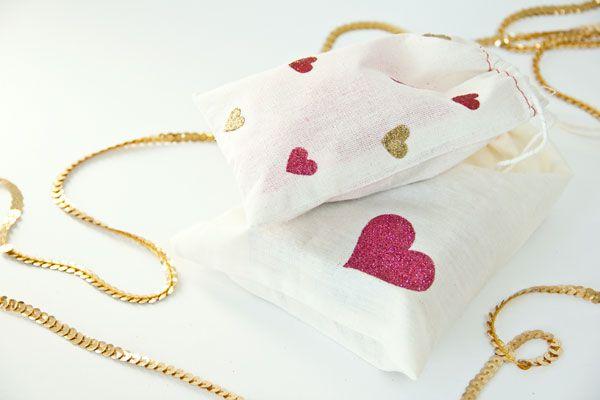 DIY Valentine's Day Glitter Heart Bags