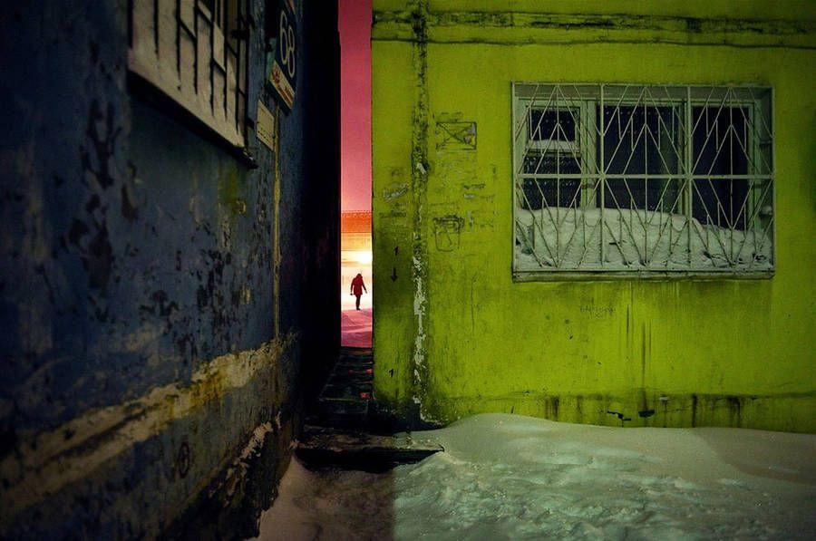 Tajuplné fotografie z najsevernejšieho veľkého mesta na svete – Doba Mag.