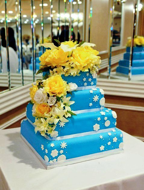 Square Wedding Cakes love the blue