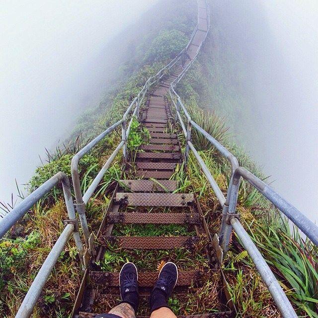 Haiku Stairs, Hawaii ?? Amazing photo by ??thejoshshaw