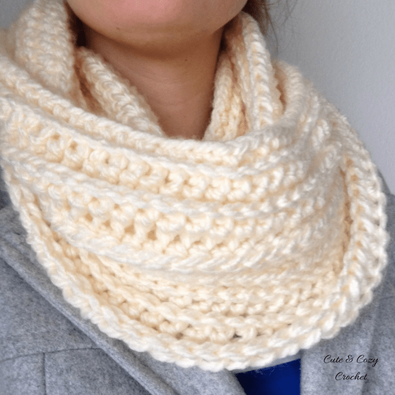 Sweet Cream Infinity Scarf   Free Crochet Pattern   Cowl   Cute and ...