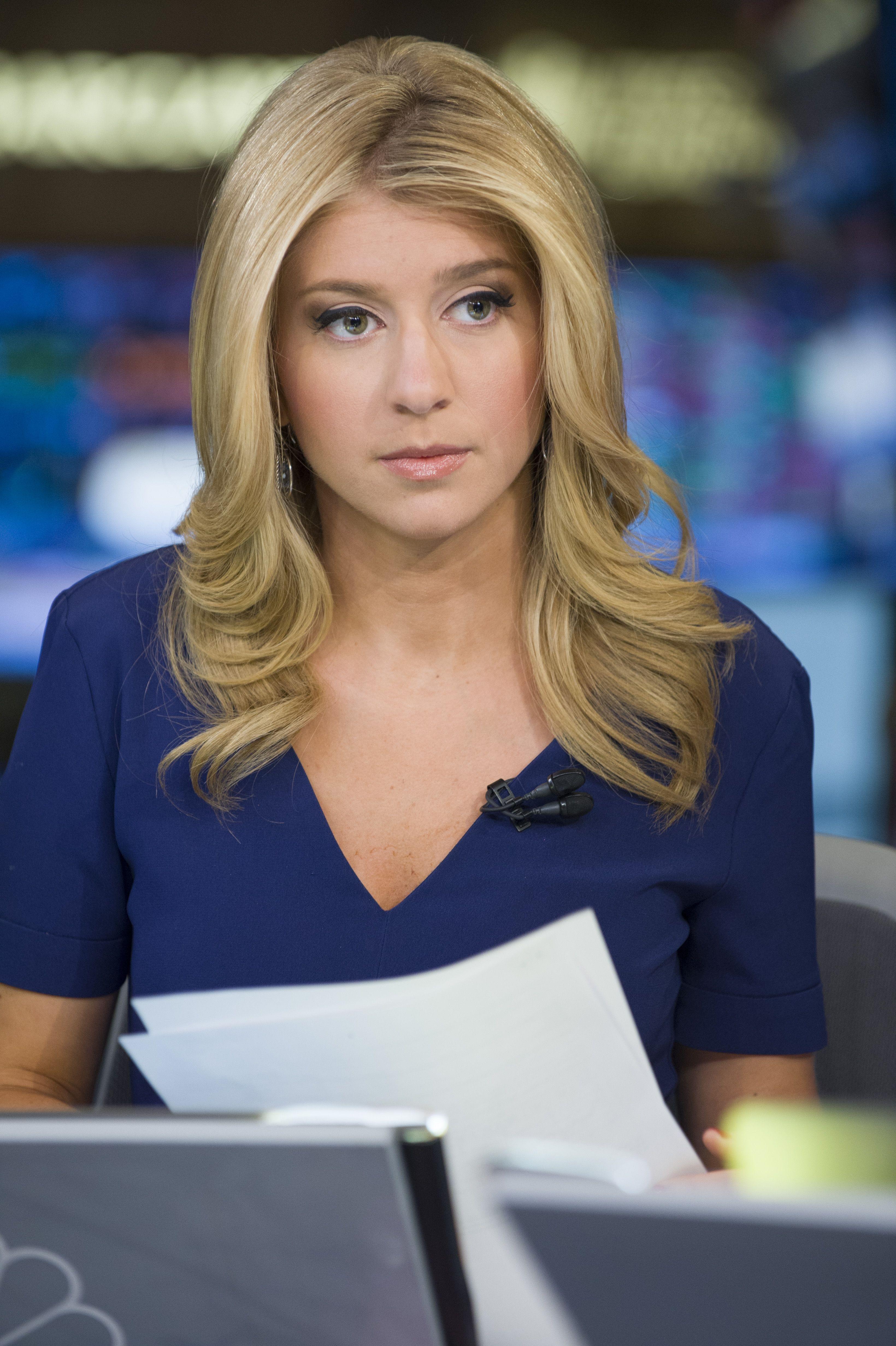 Sara Eisen From Msnbc News Anchor Female News Anchors Sara Eisen