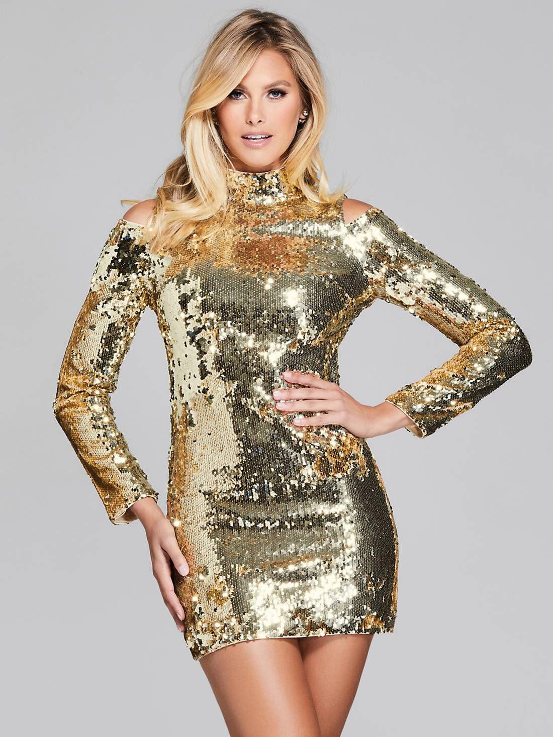 7021af1c56 Un abito da star per una serata scintillante ✨ #sparkling #gold ...