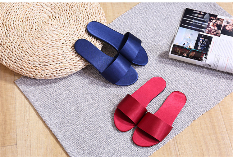 Summer Women Slides Fashion Women Slippers Sandals Soft Soles Home Bathroom Slippers Beach Flip