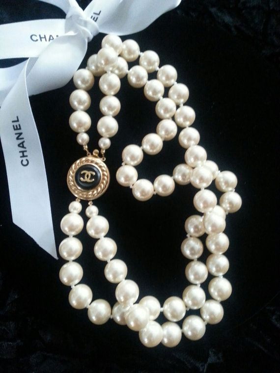 2c579e4349da Authentic Chanel CC Button Pearl Necklace by MiniFavoriteThings ...