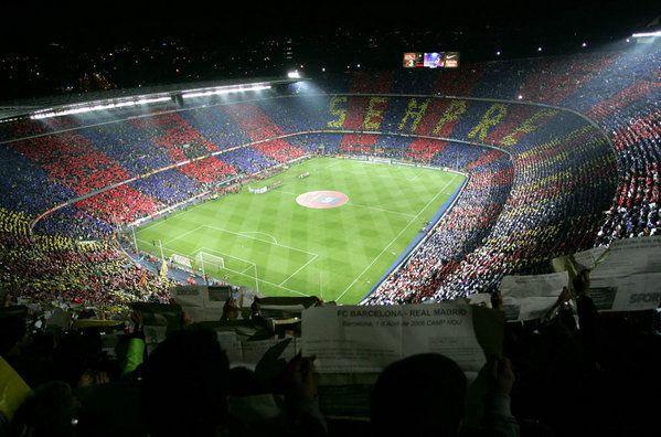Vista panorámica del estadio Camp Nou. Mosaico con la palabra  Sempre . en  el Barça-Madrid de 2007 BEST STADIUM EVER ♥ 63879fe947d