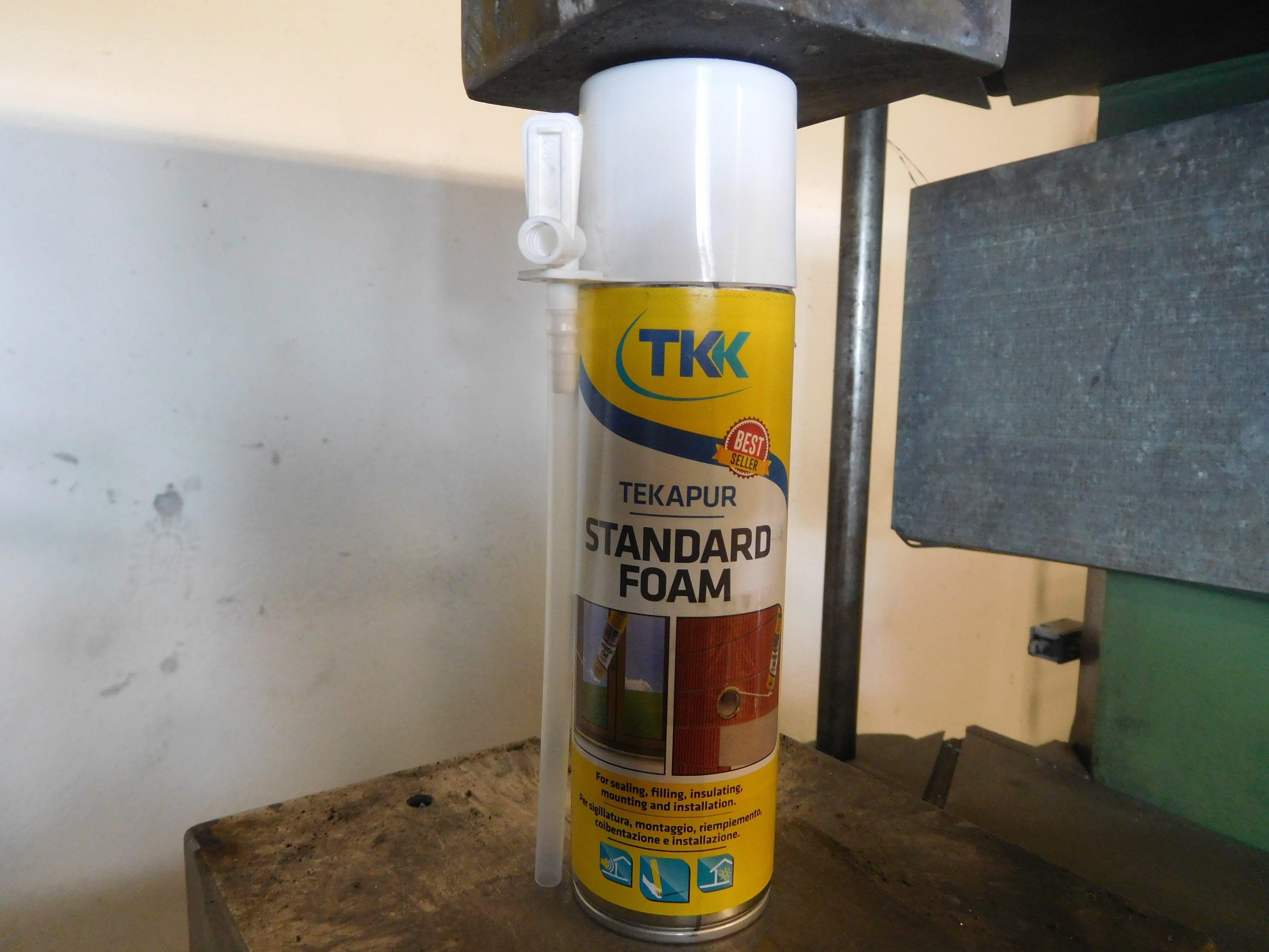 Hydraulic Press Crush Polyurethane Foam Spray Can
