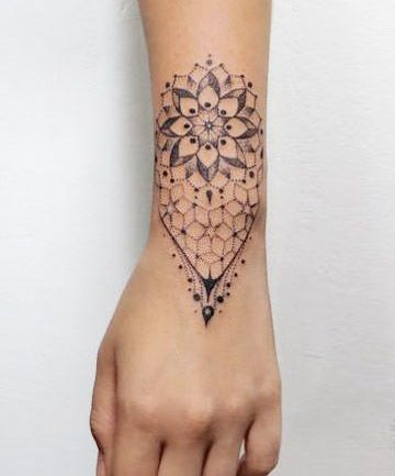 27 Wrist Tattoos That Are Anything But Basic Wrist Tattoos Wrist Tattoos For Women Cool Wrist Tattoos