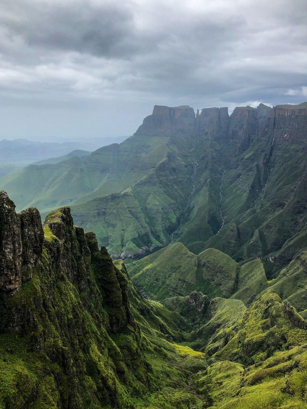 Hiking the Sentinel Peak Trail to Tugela Falls Visit
