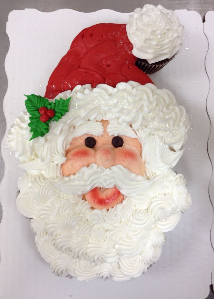 Santa Claus Face Cupcake Cake Made With 12 Cupcakes By Laurie Grissom