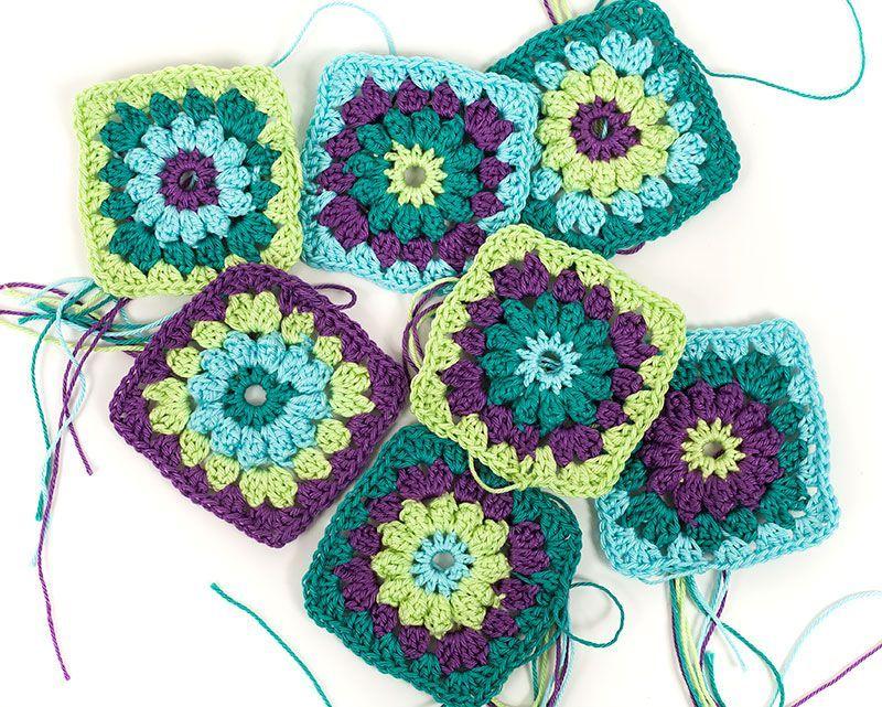 Gratis Instructies Zwarte Tas Met Granny Squares Hkeln Buttinette Blog Haken Crochet Granny Square Crochet Granny Square Crochet Pattern Granny Square
