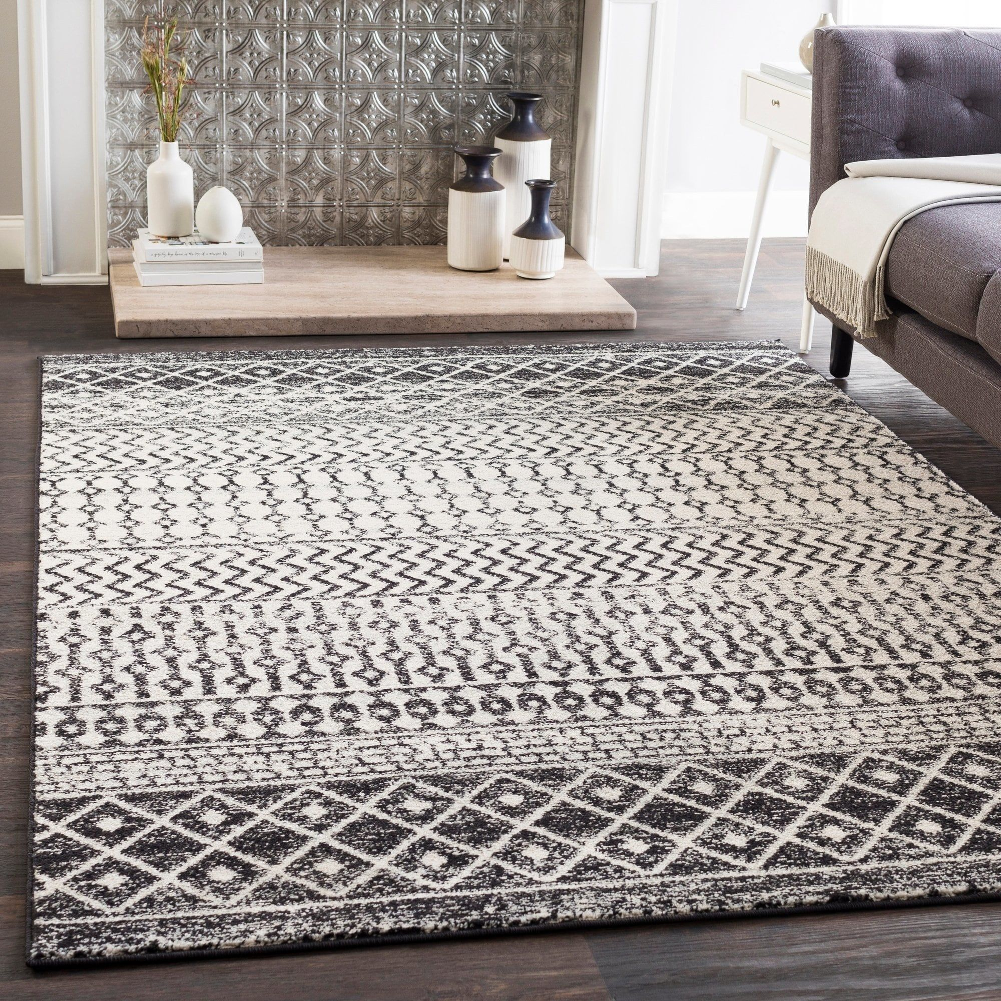 Edie Black And White Bohemian Area Rug 5 3 X 7 6 With Images