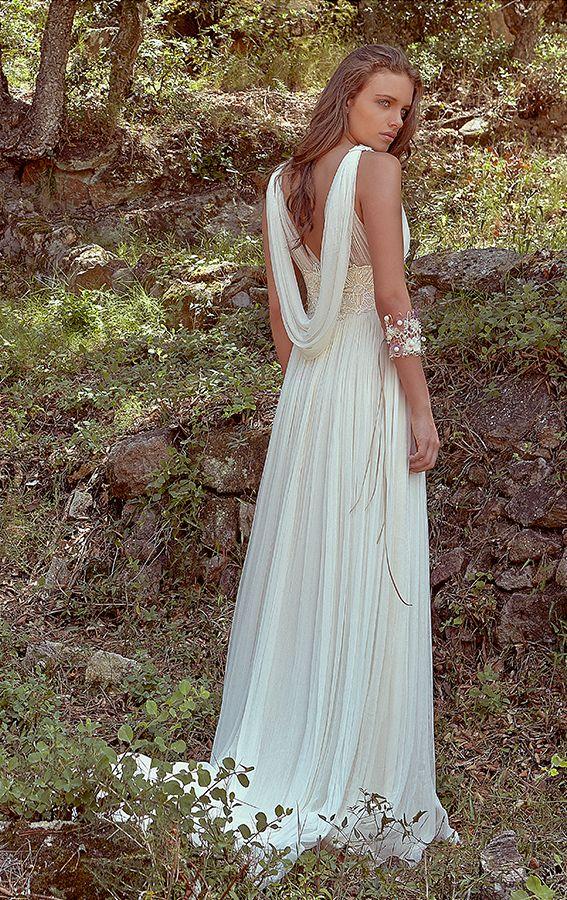 estilo de novia vintage con un aire griego espalda espectacular de