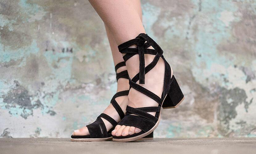 De schoenentrends lentezomer 2017 | Zomerse sandalen, Lente