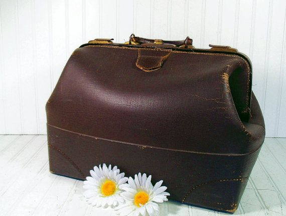 Shabby Chic Doctors Bag - Brown Leather BriefCase - Vintage Large Valise -  Mad Men Luggage