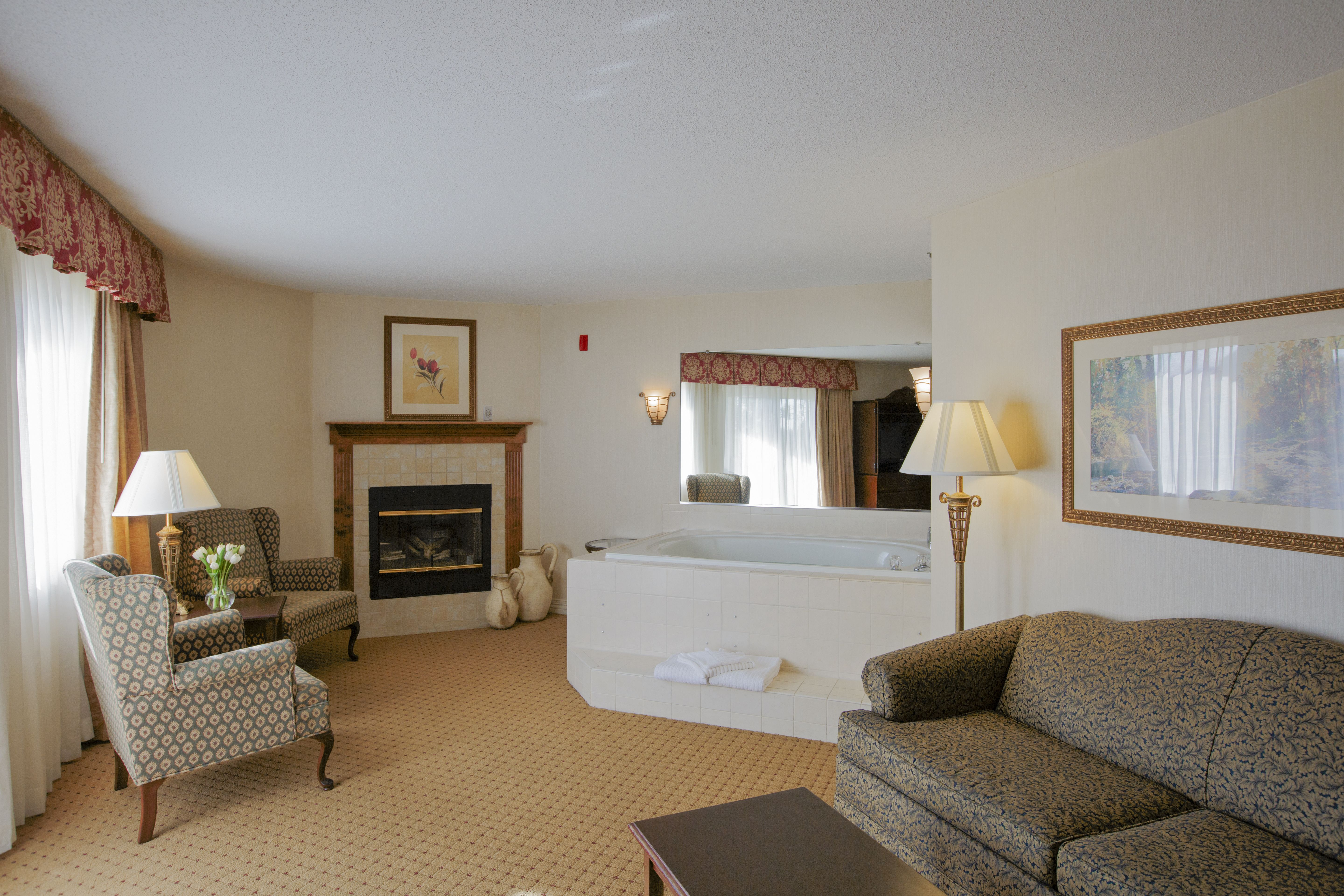 Pigeon Forge Hotel Rooms With Fireplace Jet Tub And More