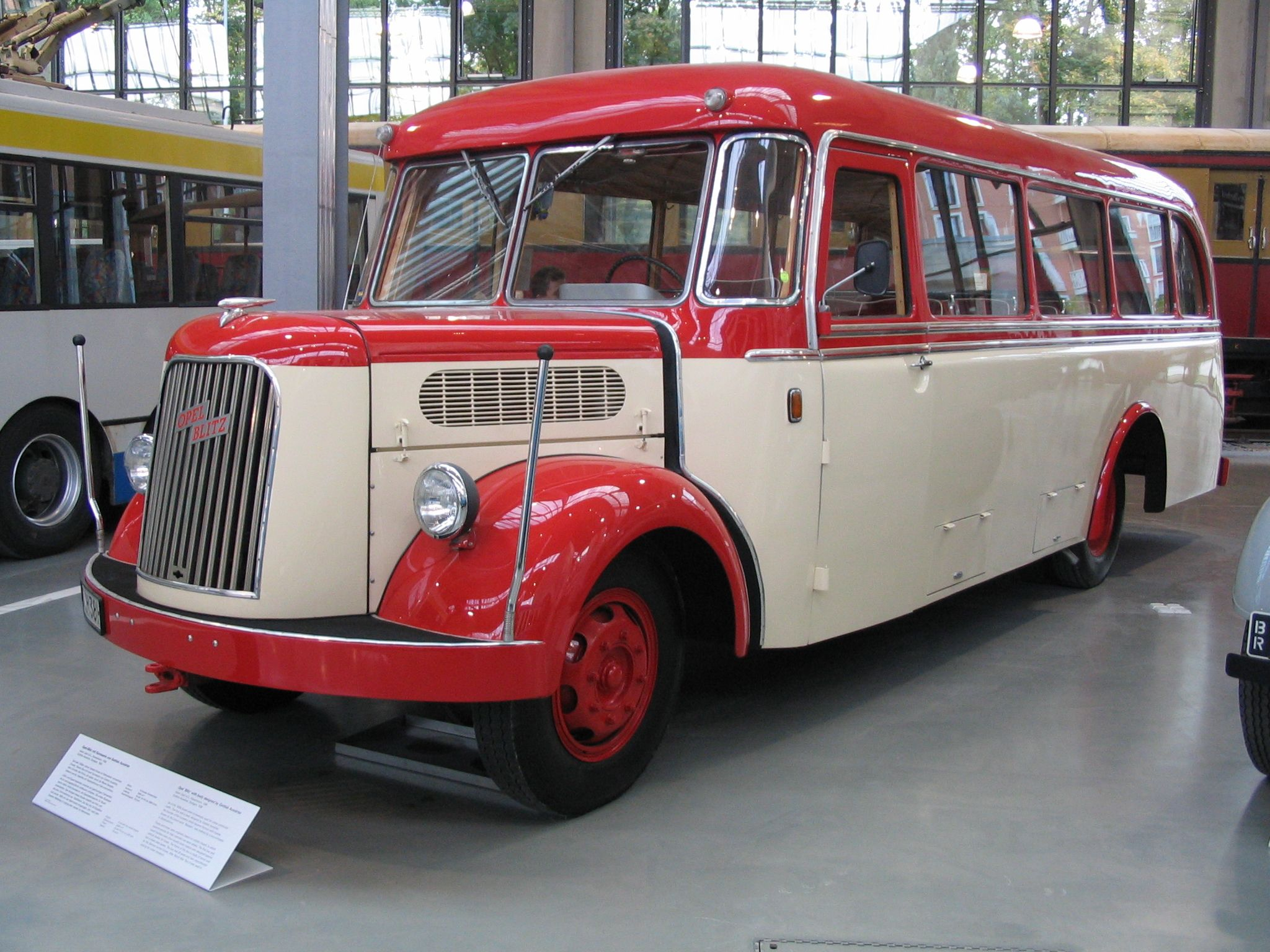 opel blitz bus 1936 deutches museum munich busses pinterest busses bus coach and. Black Bedroom Furniture Sets. Home Design Ideas