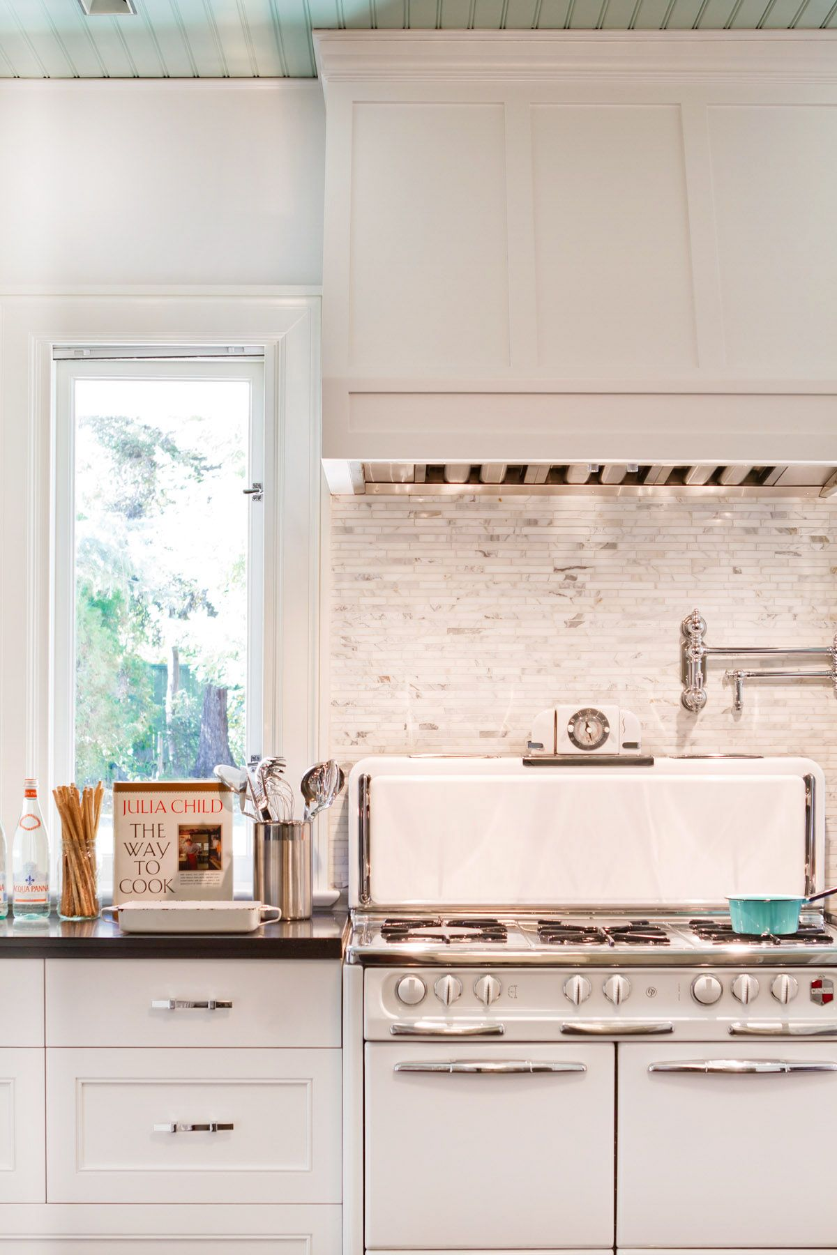 Historical Colonial In Pasadena Traditional Kitchen Cabinets Kitchen Inspirations Kitchen Renovation