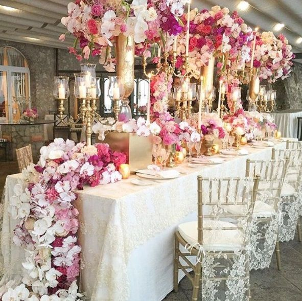 White Luxury Wedding Decor With Wonderful And Beautiful: Stunning Indoor And Outdoor Wedding Decoration.