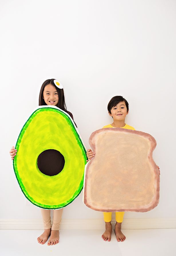 013004ccf89 EASY DIY AVOCADO MATERNITY PREGNANCY COSTUME   Cosplay & Costumes ...