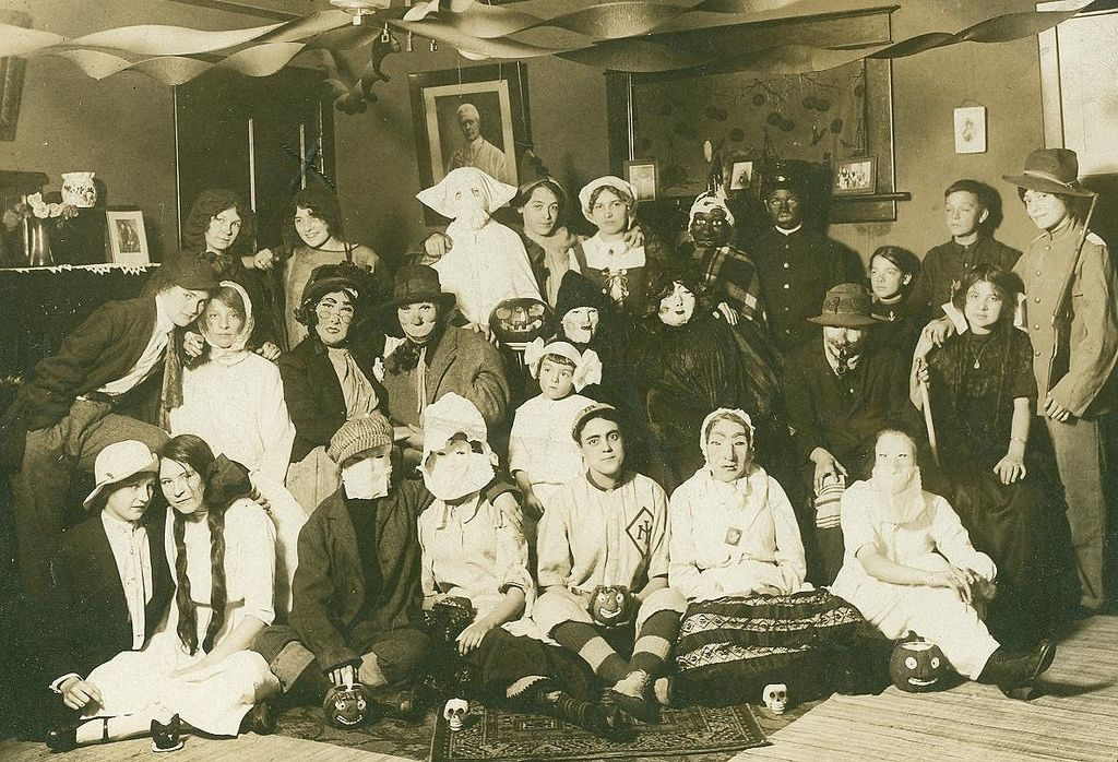 these early 1900 halloween costumes are freaky especially number cools and fools - Halloween Costumes 1900