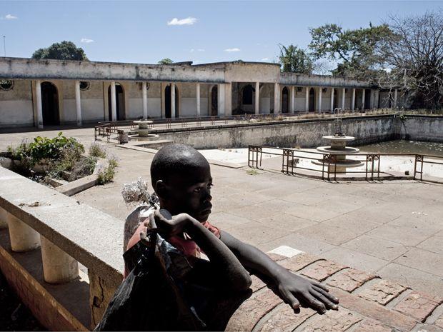 Carl de Keyzer Photography | Project | Congo (Belge) | Elisabethville (Lubumbashi) (SPST51PA)