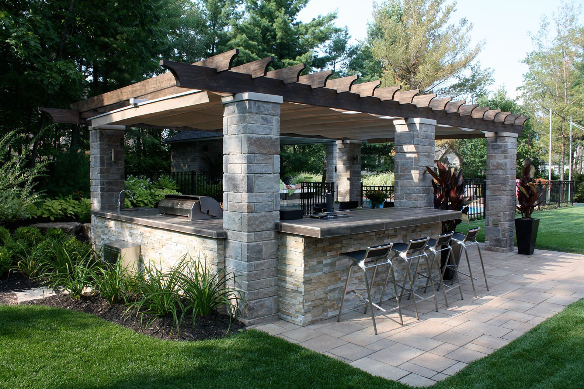 15 Beautiful Outdoor Kitchen Design Ideas For Comfortable