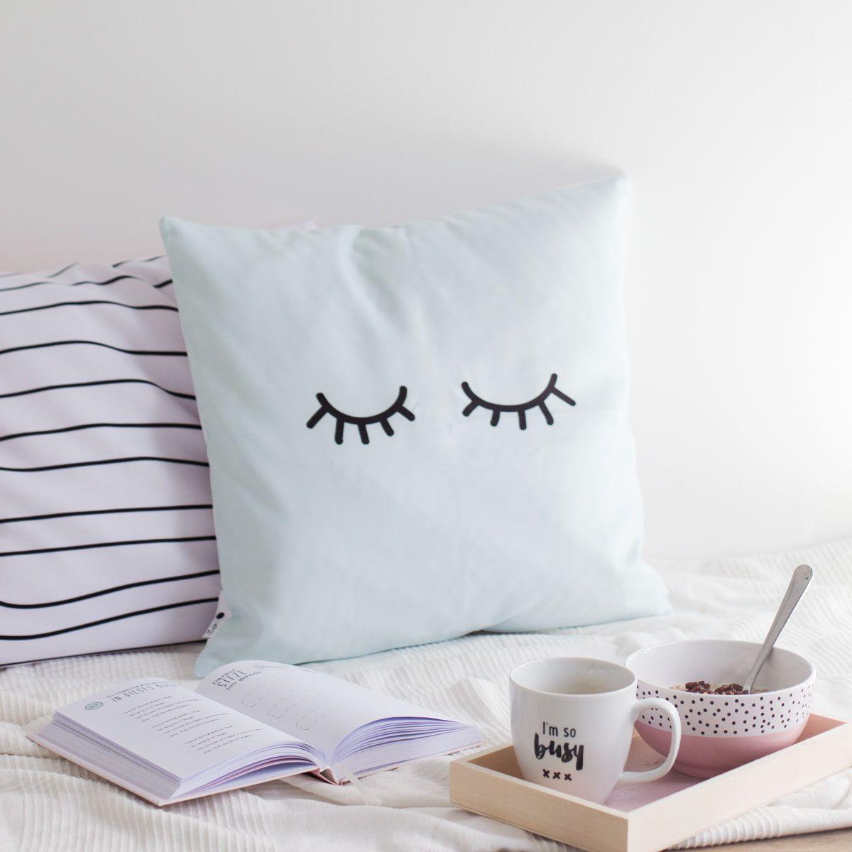 kissen in mind und wei mit punkten odernichtoderdoch wunschzettel pinterest. Black Bedroom Furniture Sets. Home Design Ideas