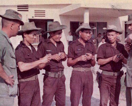 A group of Kit Carson Scouts, 1967 | Vietnam war, Military records ...