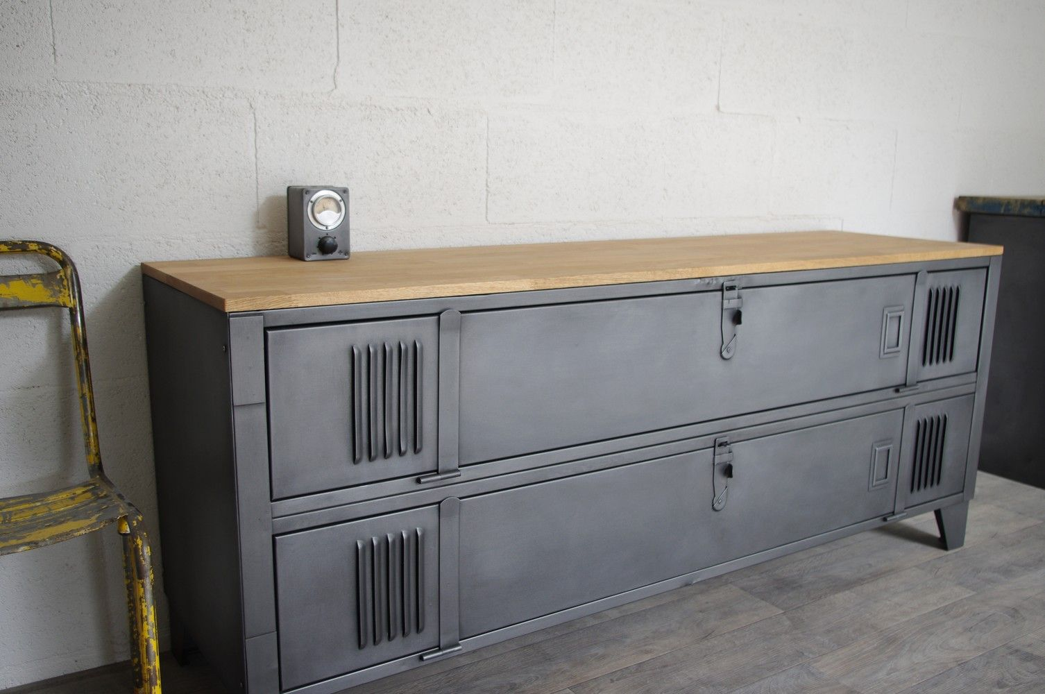 Meuble Tv Industriel Metal Meuble Tv Industriel Dyi Tv Armoire Decor Et Metal Lockers