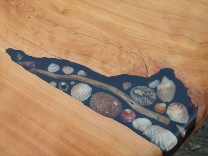 Artists Fill Tables Cracks With Sea Shells Stones And Starfish Wood Inlay Wood Projects Wood Crafts