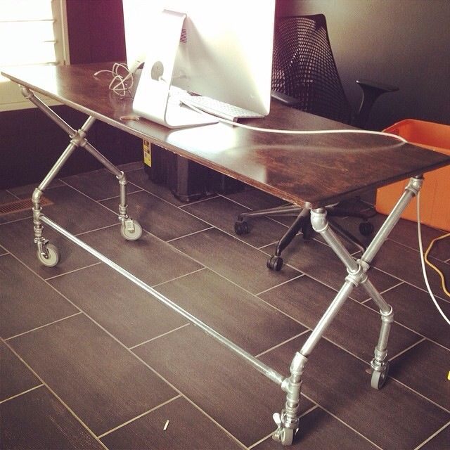 Home made galvanized pipe x-leg table (no instructions available) | via Jen Allyson -- The Project Girl
