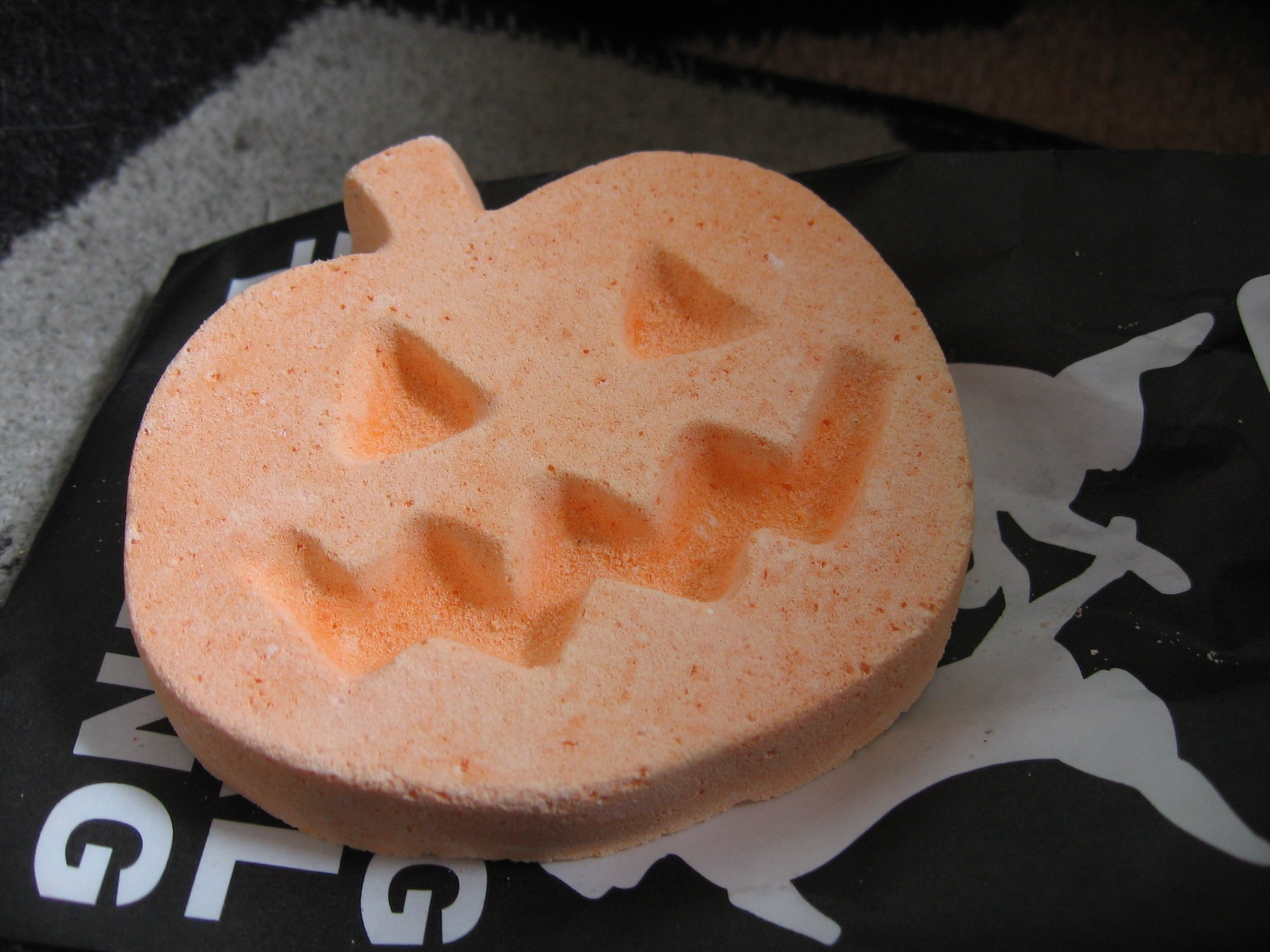 Exclusive halloween bath bomb from lush halloween bath