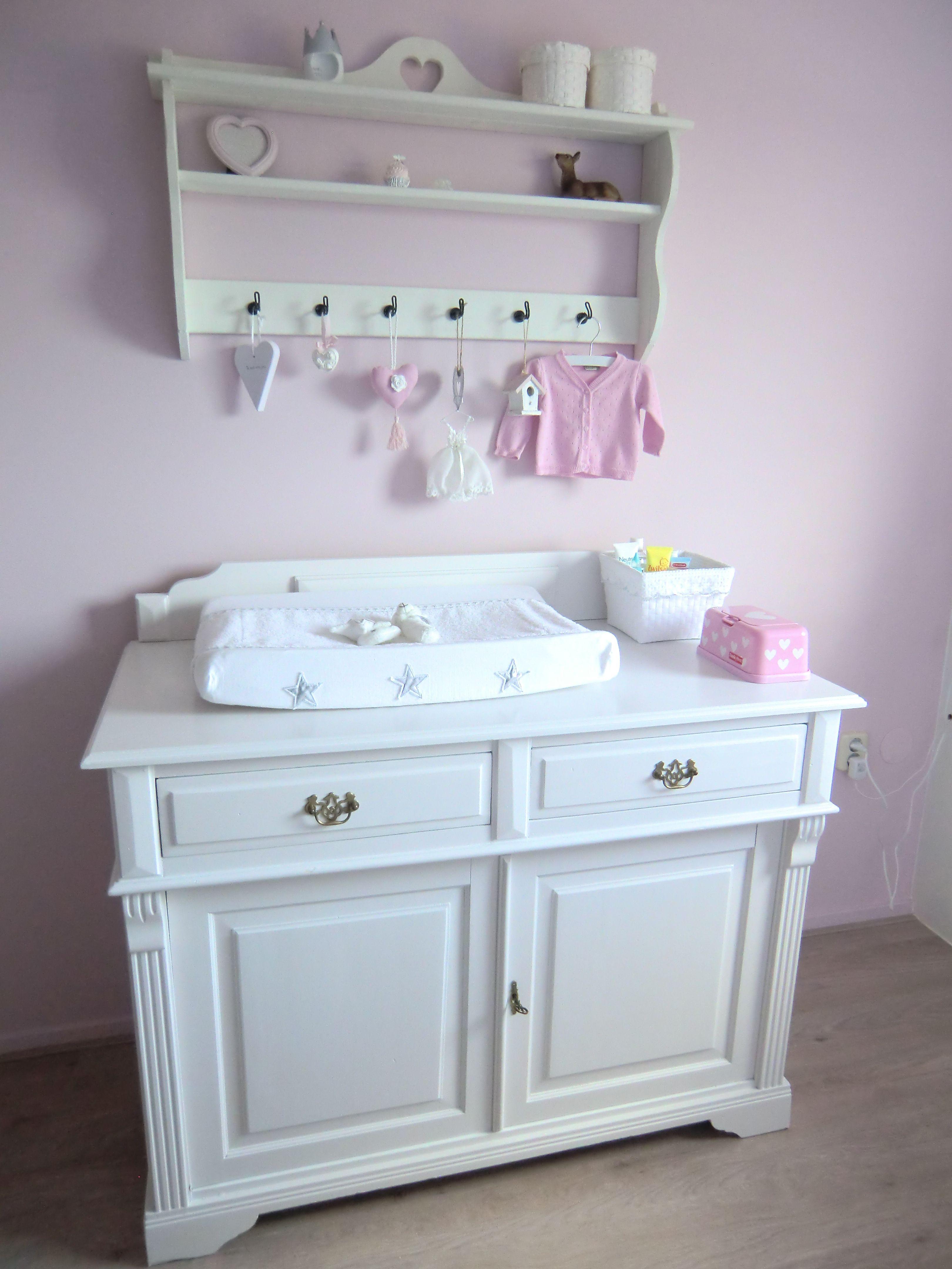 Mamavanjenthe.nl #nursery #pink #landelijk #wonen #babykamer #roze ...