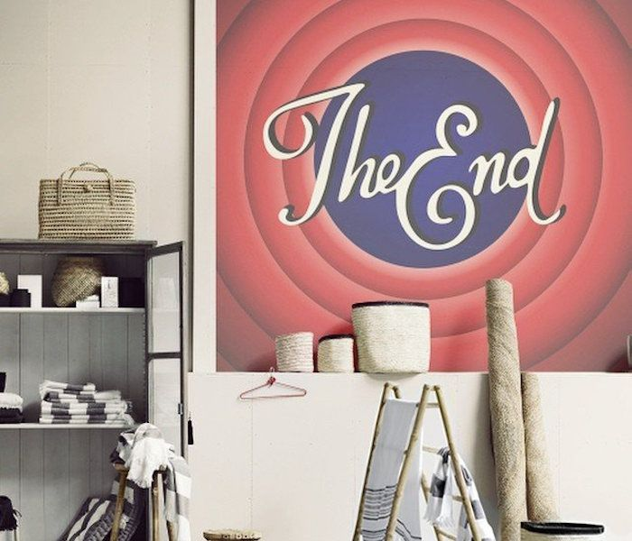 """Retrospect the vintage movie theater experience at home. The End Print is designed for those who love to live in the golden era of cartoons which always ended with this traditional """"The End"""" sign! It's a 15.7 x 11.8 print on a loom frame that can be used to decorate your favorite corner of the house."""