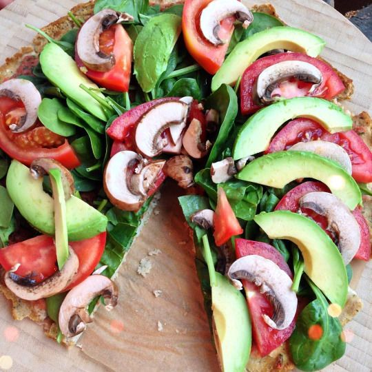 Annie Jaffrey: I need to make this again! #throwback #sogood #veganpizza