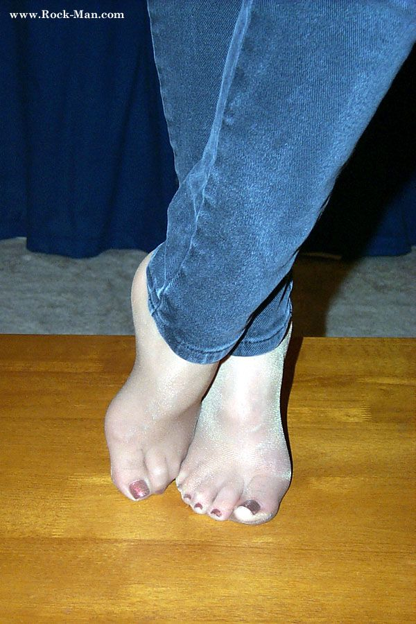 #pantyhose #feet | I love pantyhose and toes | Pinterest ...