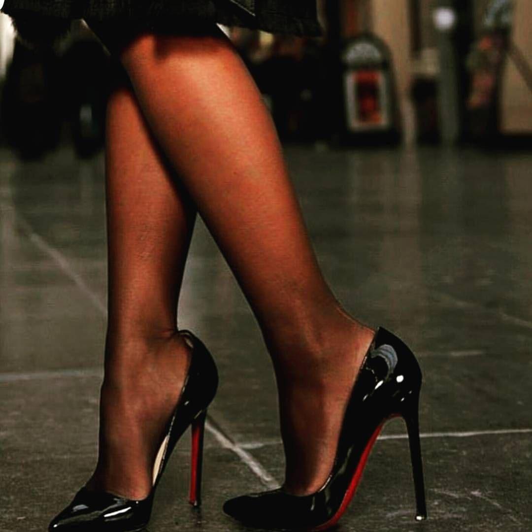 которые способны фото женских ног в лабутенах между прочим