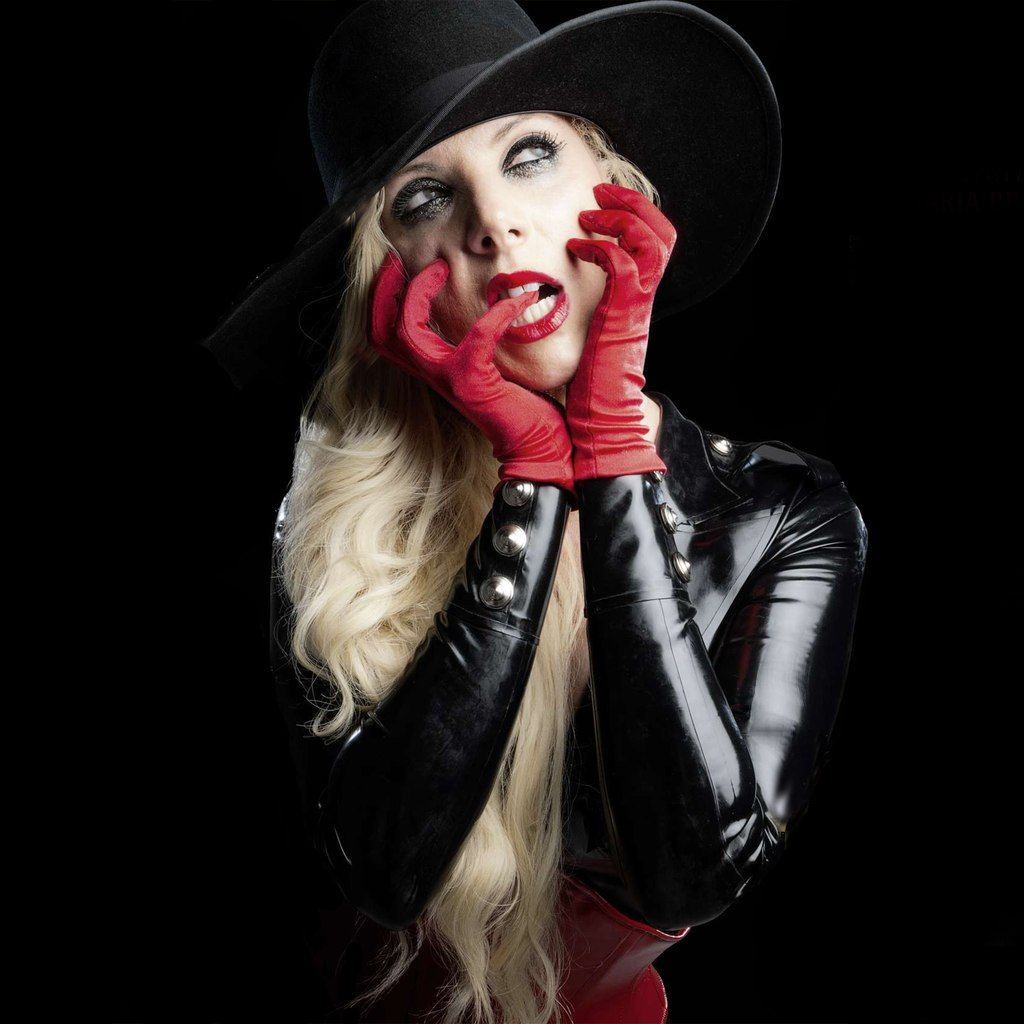 AWESOME! Maria Brink.... (well done cut from the CAUGHT IN A WEB: KERRANG MAGAZINE [JANUARY 14 2015] Articule, not cut by me....) This is beautiful... it is now my desktop wallpaper!!! 8=]