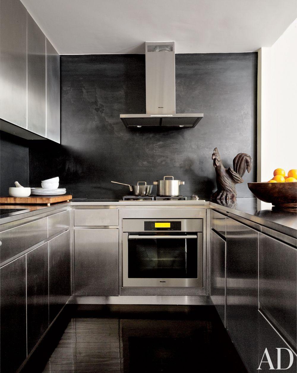 Modern Kitchen by Robert Passsal Interior & Architectural